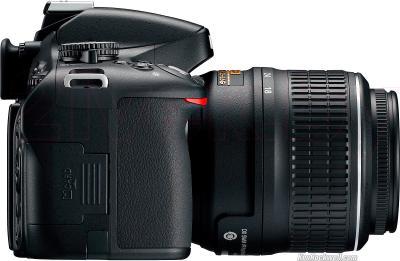 Зеркальный фотоаппарат Nikon D5100 Kit 18-55mm II - вид сбоку