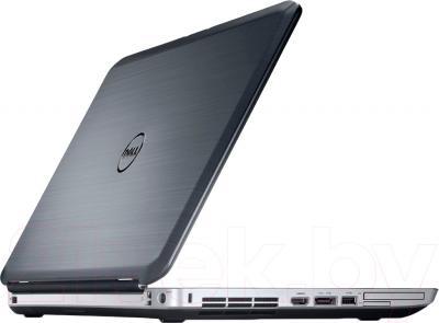 Ноутбук Dell Latitude E5530 (272232253) - вполоборота