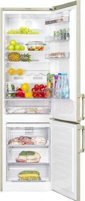 Холодильник с морозильником Beko CN335220AB - в открытом виде