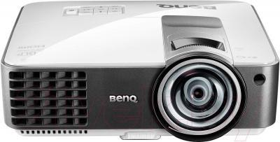 Проектор BenQ MX819ST - общий вид