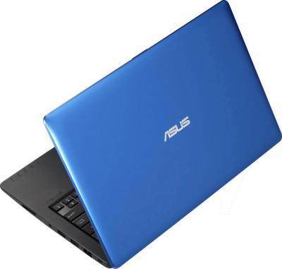 Ноутбук Asus X200MA-KX243H - вид сзади