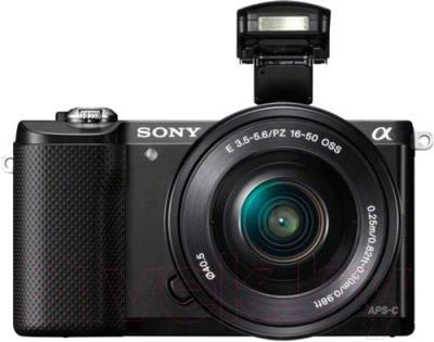 Беззеркальный фотоаппарат Sony ILCE-5000Y - вид спереди