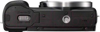 Беззеркальный фотоаппарат Sony ILCE-5000Y - вид снизу