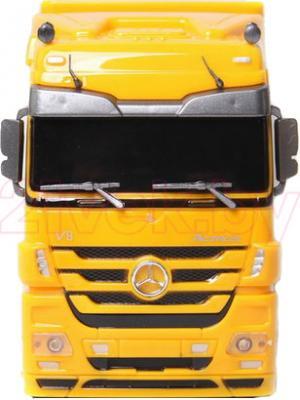 Радиоуправляемая игрушка Rui Chuang Самосвал Mercedes Benz Actros QY1101С (желтый) - вид спереди