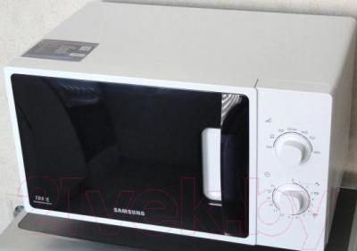 Микроволновая печь Samsung ME81ARW/BW - вид спереди