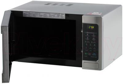 Микроволновая печь LG MH6542X - общий вид с открытой дверцей