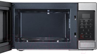 Микроволновая печь Samsung ME83MRTS/BW - с открытой дверцей