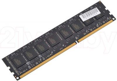 Оперативная память DDR3 AMD Radeon Value 2GB DDR3 PC3-10600 (R332G1339U1S-UO) - общий вид