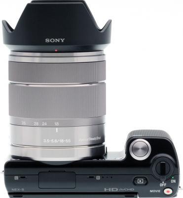 Беззеркальный фотоаппарат Sony Alpha NEX-5D - вид сверху со сменным объективом