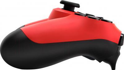 Геймпад Sony Dualshock 4 (Red) - вид сбоку