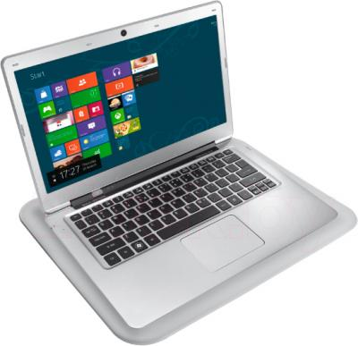 Подставка для ноутбука Trust ICE Notebook Cooling Stand & Lapdesk - с ноутбуком