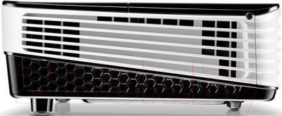 Проектор BenQ MH680 - вид сбоку