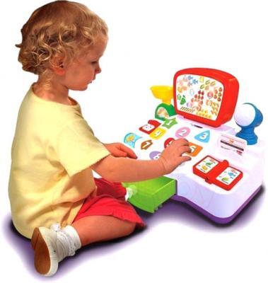 Развивающая игрушка Kiddieland Кассовый аппарат (048108) - ребенок с игрушкой