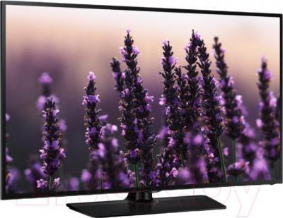 Телевизор Samsung UE40H5003AK - вполоборота