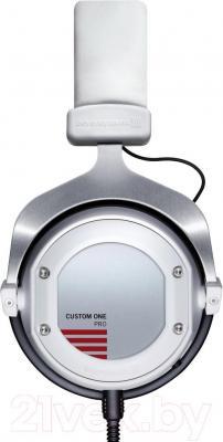 Наушники Beyerdynamic Custom One Pro (White) - вид сбоку