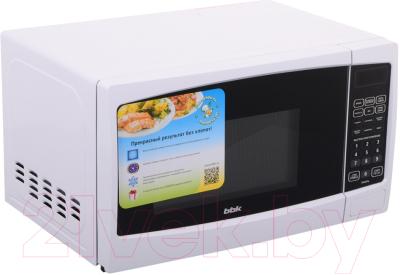 Микроволновая печь BBK 20MWG-741S/W - вид спереди