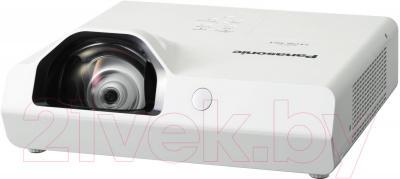 Проектор Panasonic PT-TX400E - общий вид
