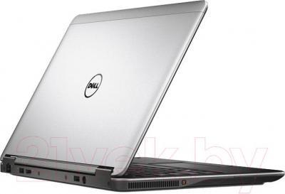 Ноутбук Dell Latitude E7240 P22S (CA011LE72406EM) - вид сзади