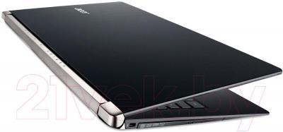 Ноутбук Acer Aspire VN7-571G-7891 (NX.MRVEU.011) - в сложенном виде