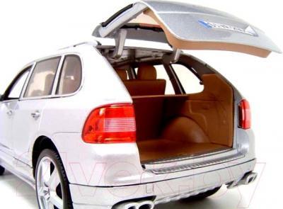 Масштабная модель автомобиля Maisto Порше Кайен турбо (31113) - вид сзади