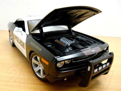 Масштабная модель автомобиля Maisto Додж Челенджер полиция / 31365 - капот