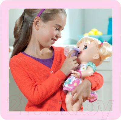 Кукла Hasbro Baby Alive Удивительная малютка (A3684) - в окружении