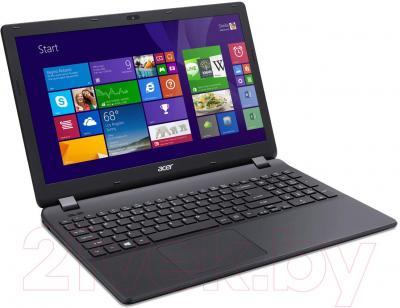 Ноутбук Acer Aspire ES1-512-26QH (NX.MRWEU.014) - вполоборота