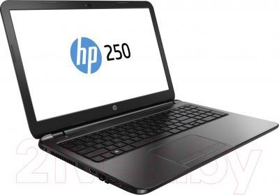 Ноутбук HP 250 (J0X94EA) - вполоборота