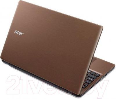 Ноутбук Acer Aspire E5-511-P8QJ (NX.MPNEU.011) - вид сзади