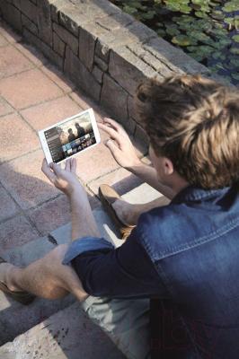 Планшет Sony Xperia Tablet Z3 16GB (SGP621RU/W) - общий вид