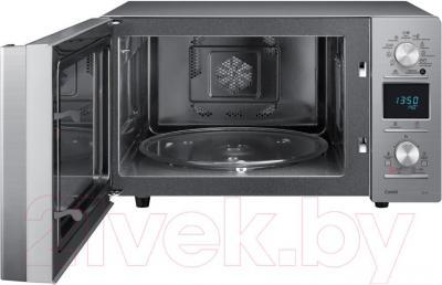 Микроволновая печь Samsung CE118PTR-X/BWT - вид с открытой дверцей