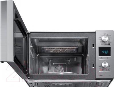 Микроволновая печь Samsung CE118PAERX/BWT - с открытой дверцей