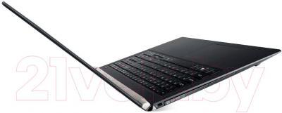Ноутбук Acer Aspire VN7-791G-588X (NX.MQREU.009) - вид сбоку