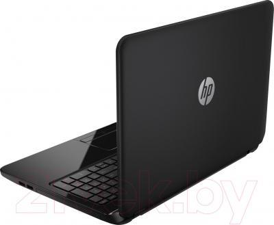 Ноутбук HP 15-r042er (J1W79EA) - вид сзади
