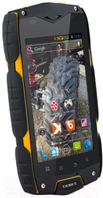 Смартфон TeXet X-driver / TM-4104R (+ Power Bank) - вполоборота