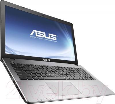 Ноутбук Asus X550CC-XX1368D - вполоборота